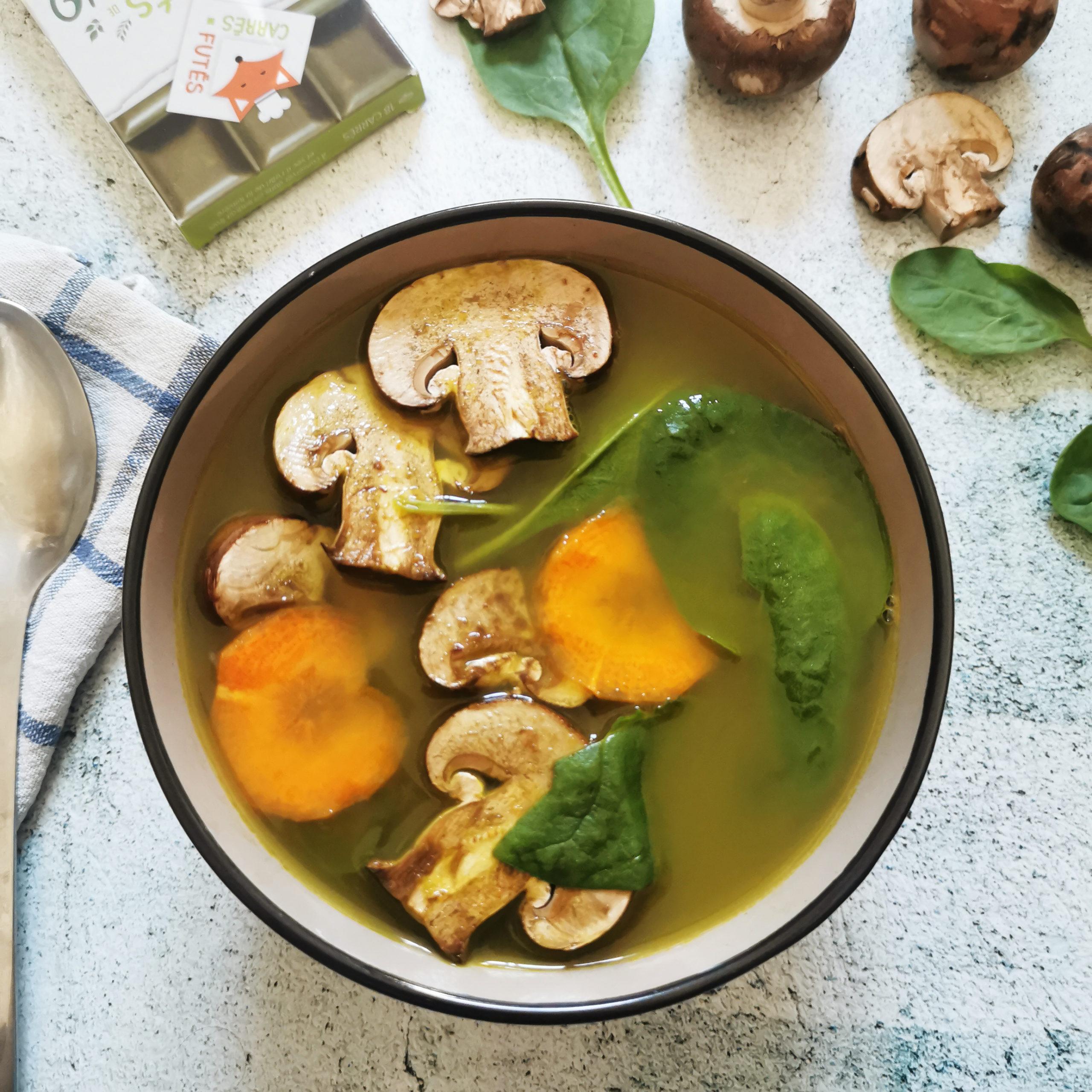 Bouillon détox champignons recette